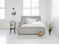 A good quality nordic frame bed is both comfortable and good for your health. These practical beds are ideal for those who love Scandinavian simplicity and down-to-earth style. Bedroom Green, Home Bedroom, Bedroom Furniture, Master Bedroom, Fixer Upper Bedrooms, Bedroom Paint Colors, Trendy Bedroom, Dream Rooms, Grey Walls
