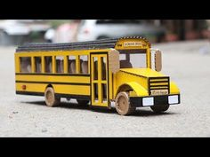 How to Make a School Bus - Cardboard School Bus. You can watch with this video and learn to make it at home. In this video show you in step by step. Kids Origami, Paper Crafts Origami, Paper Crafts For Kids, Cardboard Bus, Helicopter Craft, School Bus Crafts, Miniature Cars, Miniture Things, Recycled Crafts