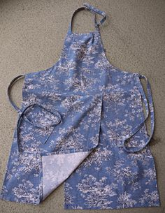 Coryna's Split-leg potter's apron! Ready to wear!