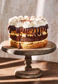 Ez a 7 legdögösebb tortánk Hungarian Cake, Hungarian Recipes, Hungarian Food, Sage Spice, Czech Desserts, Wedding Cake Designs, Confectionery, Cake Cookies, Fudge