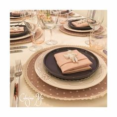 In Pink Mood Angels romantic table