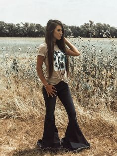 65 Ideas Country Concert Outfit Winter Look so Awesome - trend viral ideas Country Style Outfits, Southern Outfits, Country Fashion, Country Western Outfits, Texas Fashion, Southern Fashion, Western Style, Country Chic, Concert Outfit Winter