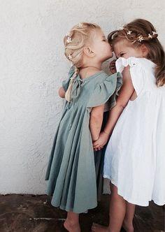 67 Ideas photography fashion kids sisters for 2019 Fashion Kids, Toddler Fashion, Fashion Clothes, Fashion Fashion, Newborn Fashion, Fashion Purses, Fashion Shorts, Fashion 2018, Dress Fashion