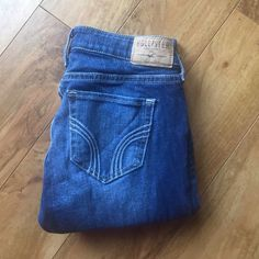 Hollister jeans Skinny jeans, waist 24 & length 29, they come to your ankle. Like new wore them once. Hollister Jeans Skinny