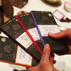 Ob rot blau oder orange. Wir hatten die Qual der Wahl beim gestrigen Original Beans Tasting. Alle waren fantastisch. Aber findet doch Euren Favoriten selbst heraus. #originalbeans #munich #tasting #münchen #schokolade #chocolate #muenchen #bio #fb