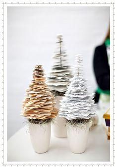 How to Create Paper Christmas Tree // Как да си направим коледно дръвче от хартия | 79 Ideas