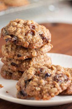 Walnut Cookie Recipes, Walnut Cookies, Coconut Cookies, Raisin Cookies, Oatmeal Cookies, Chocolate Chip Cookies, Cookies With Walnuts, Oatmeal Biscuits, Oatmeal Cake