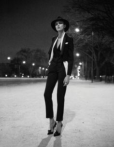 Pleine Lune - Anja Rubik - Vogue Paris