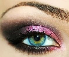 See the picz: A great pink eye shadow   See more