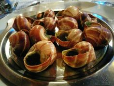 Some snails for dinner? These #escargots in #Paris made for an interesting meal for Anisha!