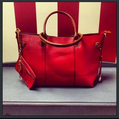 3 in 1 bag. Versatile and stylish.
