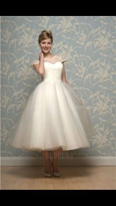 And Touch Of Vintage Elegance For A Retro Inspired Wedding