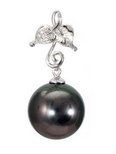 Zawieszka z perłą Tahiti i diamentami - Oglądając perłę podziwiamy piękno natury, zatem inspirowana wiosenną przyrodą złota oprawa będzie jej doskonałym uzupełnieniem. #perła #pearl #pearls #perły #biżuteria #jewellery #zawieszka #wisiorek #pendant #diamonds #tahiti #diamenty #złoto #gold #spring