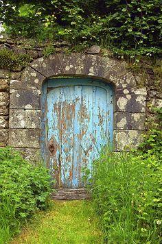 chippy door... <3 by helen