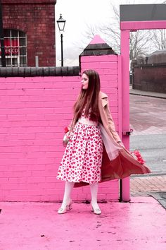 Heart Dress OOTD - Outfit Ideas for bold novelty prints - #ootd #lookbook #streetstyle #outfit #fashion #style #fashionblogger #hearts #girly #cute #dress #print #pink