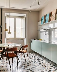 Apartment in Via Catone, Rome. Kitchen Dinning Room, Replacing Kitchen Countertops, Interior, Interior Design Kitchen, Cheap Home Decor, Home Decor, House Interior, Interior Design, Kitchen Design