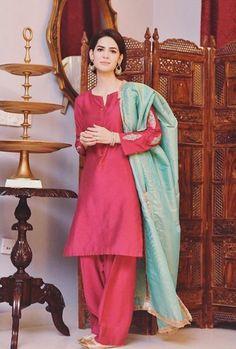 Madiha Imam is an amazing actress and she has worked in many dramas. She has also worked in Bollywood Film Dear Maya. Madiha Imam, Ayeza Khan, Winter Chic, Pakistani Actress, Pakistani Outfits, Celebs, Celebrities, Dramas, Maya