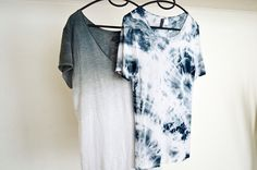 Miko : Different ways of DIY - TIE DYE, DIP DYE, OMBRE SHIRT. Craft/Artisan: Products that have been crafted using artisan skills such as embroidery, which preserve the perpetuation of ancestral traditions. Shibori, Ombre Shirt, Diy Mode, How To Dye Fabric, Facon, Diy Clothing, Refashion, Diy Fashion, Dress To Impress