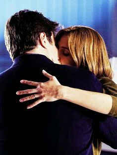 Caskett kiss