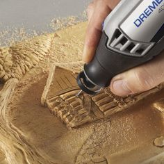 The Dremel 490 Dust Blower offers an innovative solution for improving visibility when . Dremel Werkzeugprojekte, Dremel Wood Carving, Dremel Rotary Tool, Carving Tools, Dremel 3000, Dremel Tool Projects, Wood Projects, Dremel Ideas, Diy Projects For Kids