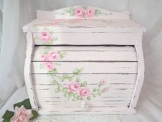 PALE PINK BREAD BOX hp roses chic shabby vintage cottage wood pink hand painted #VINTAGEROLLTOP #SHABBYCHICROMANCE