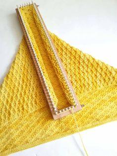 Authentic Knitting Board All-n-One Loom, Loom Knitting Blanket, Afghan Loom, Round Loom Knitting, Loom Knitting Stitches, Knifty Knitter, Loom Knitting Projects, Knitting Blogs, Knitted Blankets, Hand Knitting