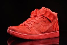 "Grab the ""Red October"" Nike Dunks Before They're Gone - SneakerNews.com"