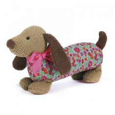 Dainty Brown Dog The cutest little dachshund with a pretty, green flowery coat, simply irresistible! Felt Owls, Jellycat, Fun Cup, Childrens Gifts, Brown Dog, Baby Boutique, New Toys, Poodle, Dinosaur Stuffed Animal