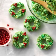 Cornflakes take the place of traditional rice cereal in these sweet no-bake treats from our Test Kitchen. Dressed up with green food coloring and red candies, they're a fun addition to cookie platters and dessert buffets. —Taste of Home Test Kitchen, Milw Christmas Cooking, Christmas Desserts, Christmas Treats, Gold Christmas, Christmas Goodies, Vintage Christmas, Christmas Biscuits, Christmas Decorations, Vegan Christmas
