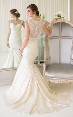 Essense of Australia Wedding Dresses. Svadobné Šaty ... c6de1c59433