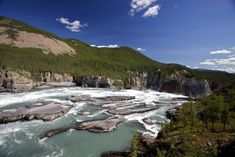 Nahanni National Park Reserve in Northwest Territories Canada in beeld