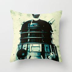 DOCTOR WHO SERIES / DALEK Throw Pillow