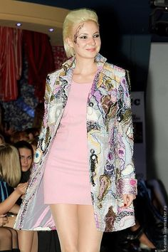 Пальто полностью ручной работы в нетканой технологии 'Акварель' в интернет-магазине на Ярмарке Мастеров. Пальто полностью в авторской нетканой технологии в стиле crazy wool.