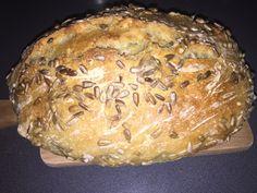 Recept na jednoduchý chléb bez hnětení. Chutná výborně a jiný už doma nepečeme.