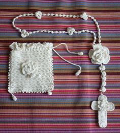 Crochet rosary and pouch - just lovely Crochet Cross, Crochet Motif, Crochet Baby, Knit Crochet, Crochet Patterns, Necklace Chart, Toilet Paper Crafts, Crochet Bookmarks, Yarn Crafts