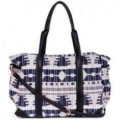 been needing a weekend tote like this (something to get me in the traveling mood!)