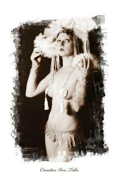 Awakening Featured Artist: NIKKI TELLADICTORIAN, to check out the artist profile, visit: http://www.rawartists.org/nikkitelladictorian -For more event details: http://www.rawartists.org/pittsburgh -For more info on the artist, http://www.facebook.com/countessvontella #performingart #RAWartist #RAWartistpittsburgh #NIKKITELLADICTORIAN