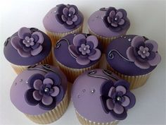 Purple Cupcakes in honor of Pancreatic Cancer Awareness Week Tolle Cupcakes, Angel Food Cupcakes, Flower Cupcakes, Cupcake Cakes, Smash Cakes, Fondant Cupcakes, Purple Wedding Cupcakes, Wedding Cakes, Party