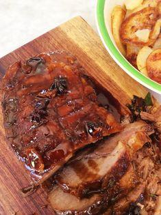 Die vleis tuimel sommer om homself in, so sag en sappig is dit. Braai Recipes, Pork Recipes, Cooking Recipes, Healthy Recipes, Recipies, Savoury Recipes, Copycat Recipes, Yummy Recipes, South African Dishes