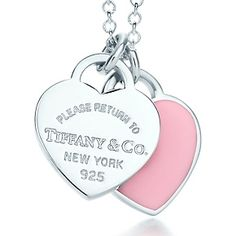 """Tiffany & Co. """"Return to Tiffany"""" Double Heart Tag Pendant Cute Necklace, Silver Pendant Necklace, Silver Necklaces, Silver Jewellery, Tiffany And Co, Tiffany Outlet, Tiffany Blue, Tiffany Jewelry, Tiffany Necklace"""