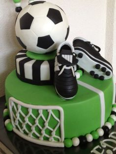 46 New Ideas birthday cake boys soccer Football Birthday Cake, Soccer Birthday Parties, Soccer Party, Cake Birthday, Football Themed Cakes, Birthday Boys, Football Cakes For Boys, Soccer Theme, Happy Birthday