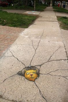 Street Art 2016 David Zinn is part of Street art graffiti - 2016 was a great year for drawing on the sidewalk, as this overstuffed gallery page will attest Murals Street Art, 3d Street Art, Best Street Art, Amazing Street Art, Art Mural, Street Art Graffiti, Street Artists, Art Art, David Zinn