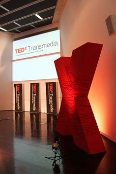 Simple X Stage Design - TedX Transmedia, 09/2011, Maxxi - Roma