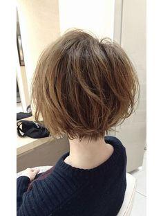 ユーフォリア 新宿通り(Euphoria)【Euphoria】ラフな軽さと動きのあるショートボブ☆ Girls Short Haircuts, Short Bob Hairstyles, Hair Inspo, Hair Inspiration, Medium Hair Styles, Short Hair Styles, Pelo Pixie, Hair Arrange, Tips Belleza