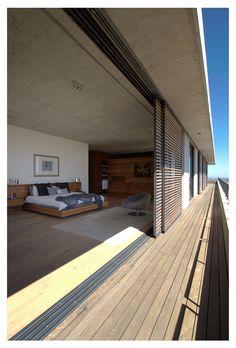"Casa Hillside ""Fachada de piedra y madera"" / GASS Architecture Architecture Details, Interior Architecture, Future House, My House, Hillside House, Exterior Design, Building A House, Beautiful Homes, New Homes"