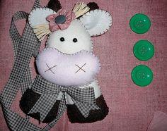 Vaquinha prendedor de Cortina by Simo www.criandoeinovando.elo7.com.br, via Flickr