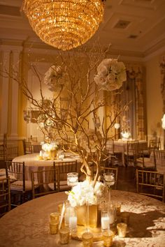 Love this idea for some of the tables with lower arrangements. Maybe spray pain branches gold? Wedding Show, Our Wedding, Dream Wedding, Table Centerpieces, Table Decorations, Color Dorado, Fall Wedding Decorations, Wedding Inspiration, Wedding Ideas