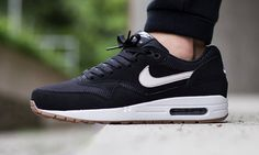 For the new season, Nike has dropped off a fresh black and white take on the Air Max 1 Essential.