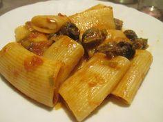 FORNELLI IN FIAMME: PACCHERI GRAGNANO WITH HOT SAUCE AND SNAILS - Paccheri di Gragnano con salsa piccante e lumache