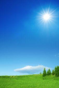 太陽と草原と青空と雲-縦長構図 Kerala Mural Painting, Beautiful Nature Pictures, Flower Phone Wallpaper, Scenery Wallpaper, Background Pictures, Spring Green, Flower Frame, Photo Studio, Nature Photography